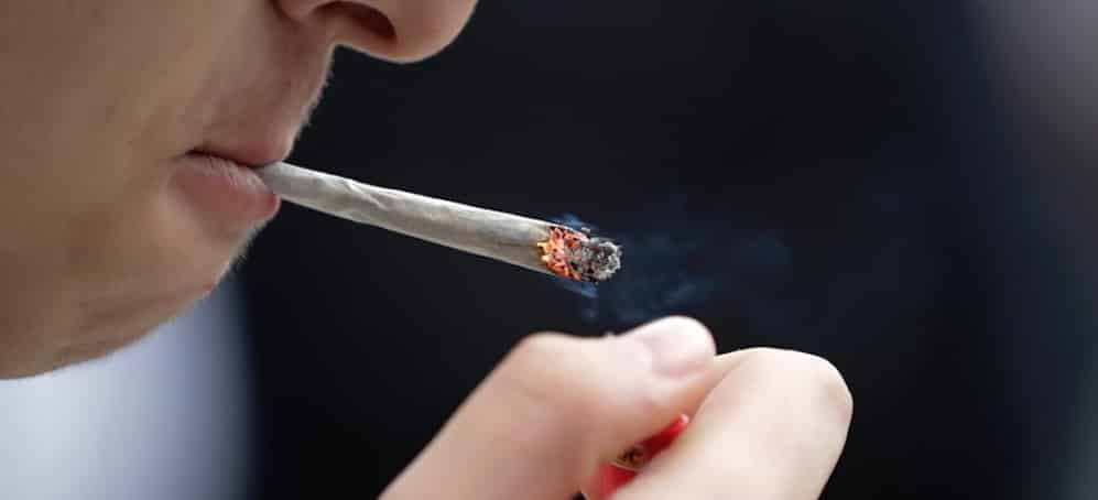 Un nouveau Tinder pour les fumeurs de cannabis | JDM