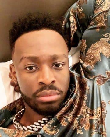 Dadju lance un appel de détresse à son coiffeur préféré pour s'occuper de lui 640