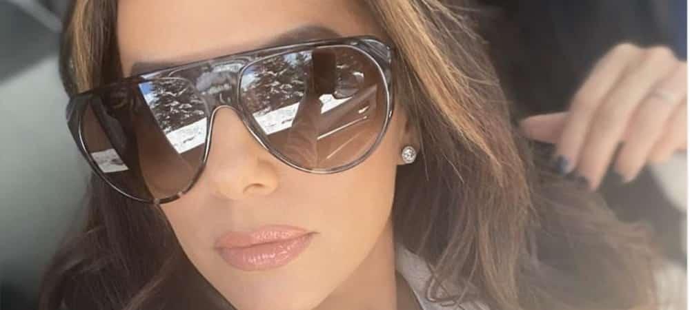 Eva Longoria superbe: elle ose le total look doré sur Instagram !