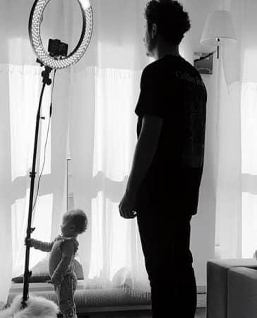 Le youtubeur et sa fille