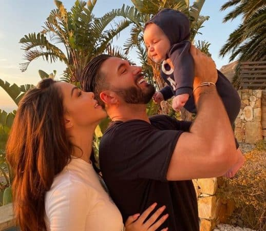 """Nabilla inquiète: son fils Milann a de la fièvre """"On espère que ça va aller"""" !"""