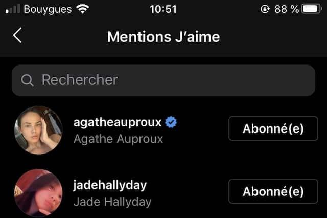 Astrid Nelsia: Jade Hallyday valide son décolleté XXL en bikini !
