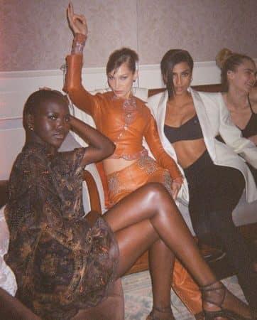 Bella Hadid et ses amies
