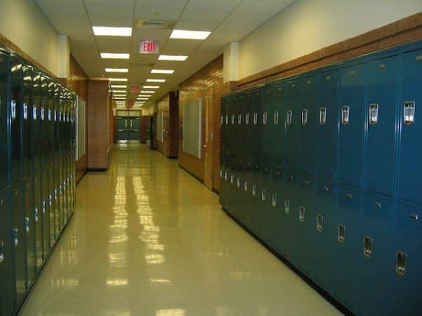 Déconfinement- les lycées resteront fermés jusqu'en juin au moins 640
