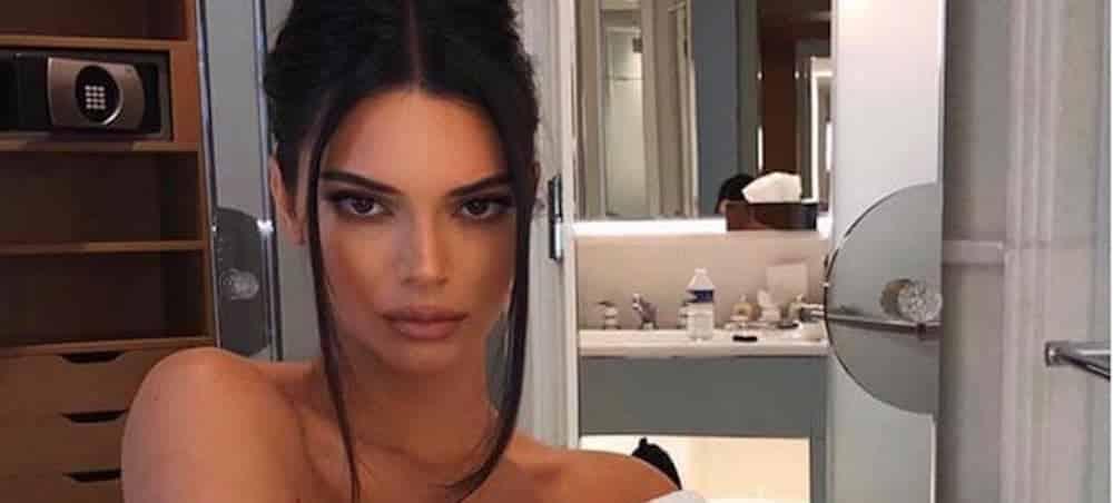 Kendall Jenner pose avec des lentilles bleues et le résultat est surprenant 1000