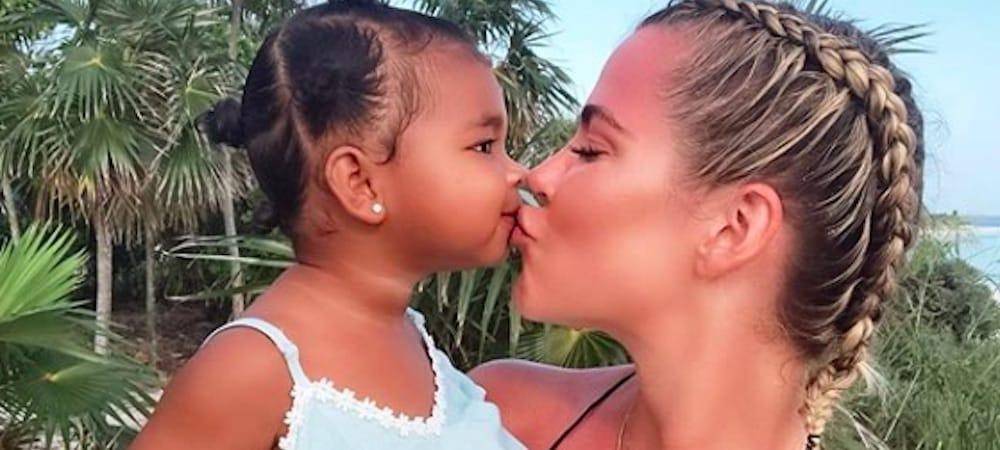 Khloé Kardashian fait une déclaration d'amour à True pour ses deux ans !