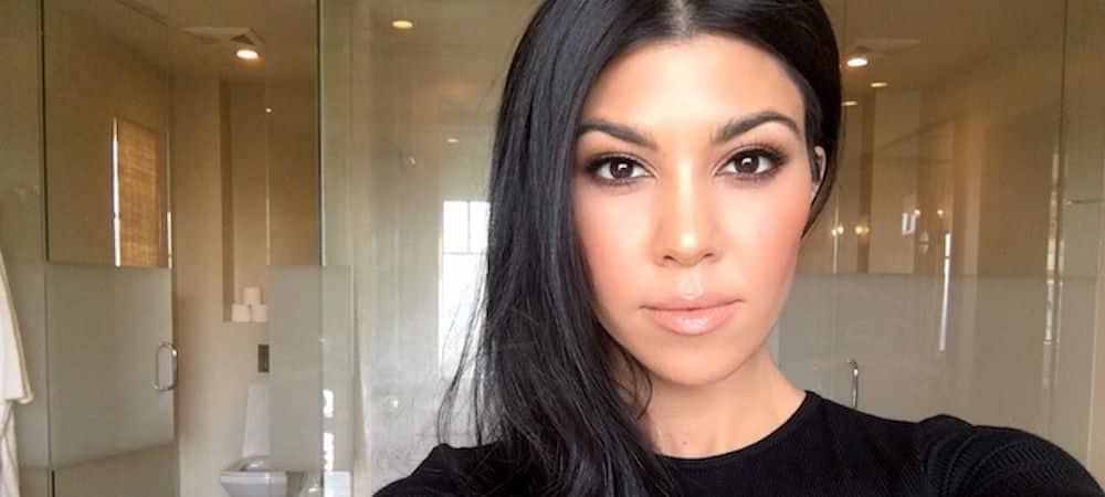 Kourtney Kardashian: la soeur de Kim impose son look confort et stylé !