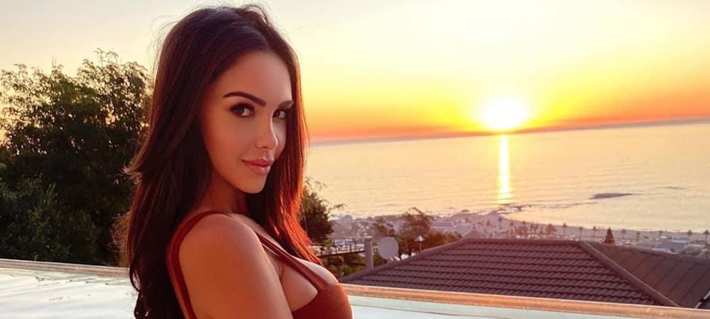 Nabilla rêve de plage et prend la pose en maillot hyper sexy !