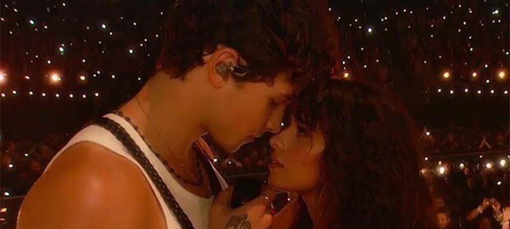 Shawn Mendes s'affiche avec Camila Cabello aux Kids' Choice Awards !