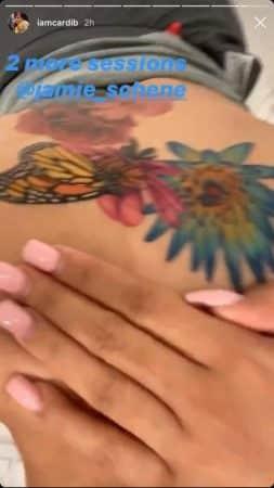Cardi B dévoile son nouveau tatouage XXL dans le dos !