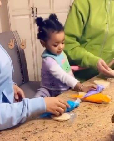Cardi B: son adorable atelier cookies avec sa petite Kulture !