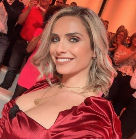 Clara Morgane se justifie sur ses photos dénudées face aux haters 640