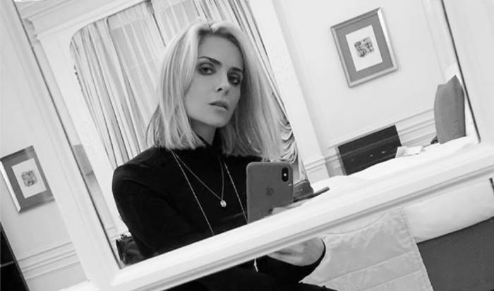 Clara Morgane sexy elle pose seins nus au réveil sur Instagram 30042020-
