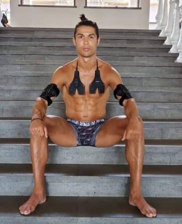 Cristiano Ronaldo- sa nouvelle coupe est loin de faire l'unanimité 640