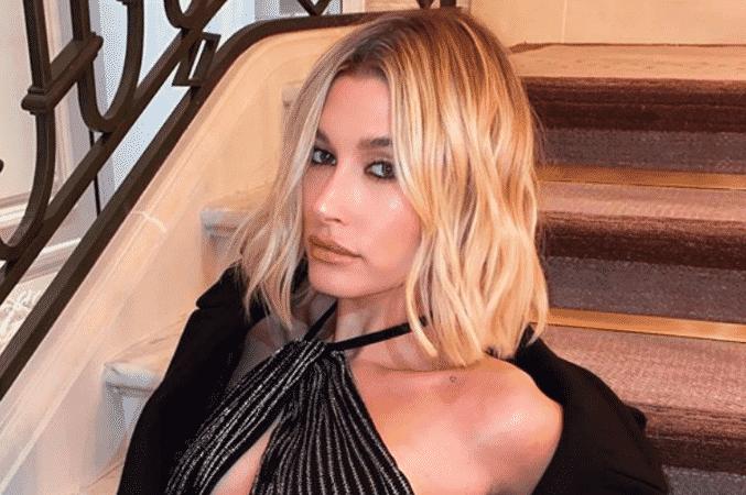 Hailey Baldwin embrase Instagram en bikini très sexy 122052020-