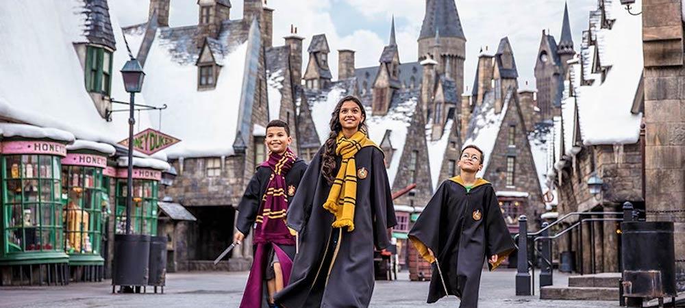 Harry Potter: tu peux visiter le parc d'attractions depuis ton canapé !