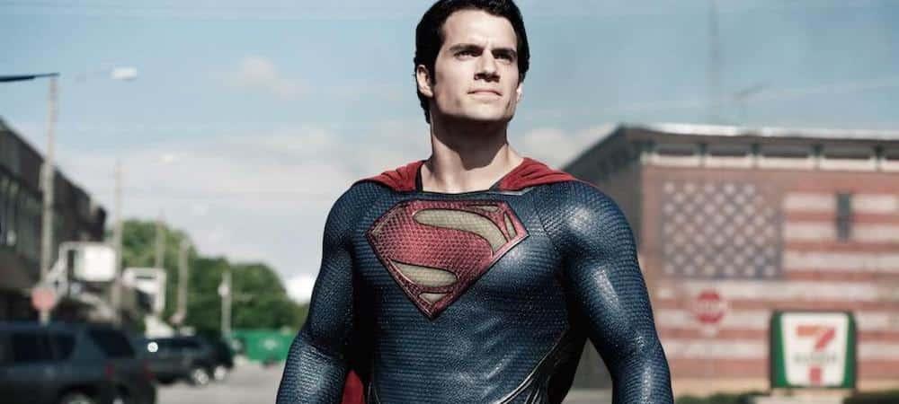 Henry Cavill: pourquoi son costume n'est pas noir dans Superman ?