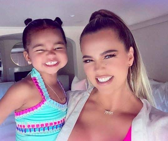 Khloé Kardashian dévoile une photo trop craquante de sa fille True !