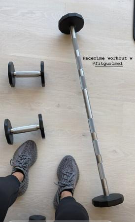 Kim Kardashian dévoile ses exercices de fitness pour garder la forme !