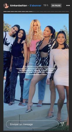 Kim Kardashian dévoile une belle photo avec toutes ses soeurs !