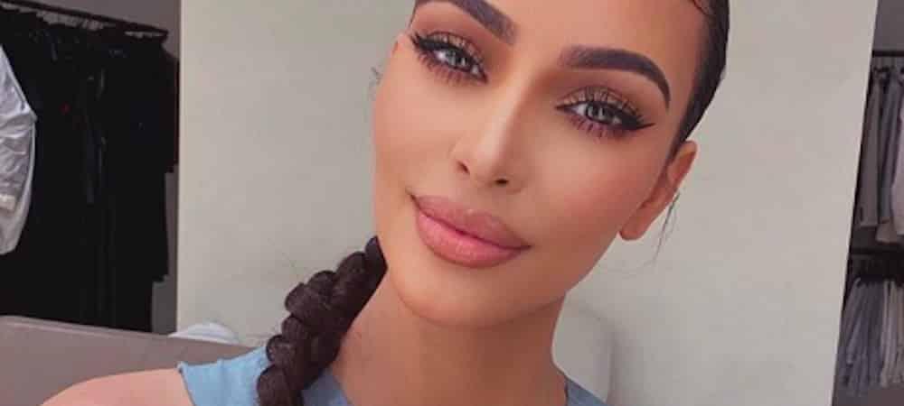Kim Kardashian s'affiche sexy en blonde à la plage sur Instagram !