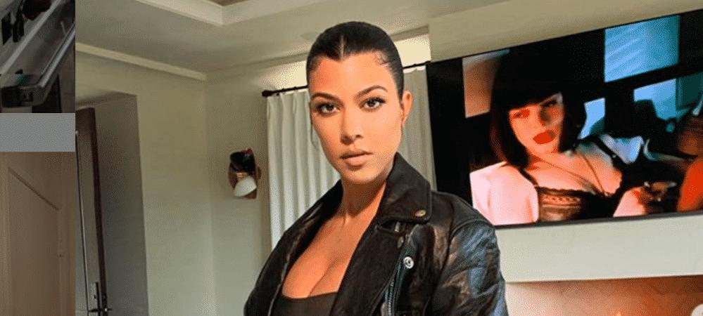 Kourtney Kardashian sa villa recouverte de papier toilette 10052020-