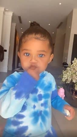 Kylie Jenner: sa petite Stormi est adorable avec les yeux bleus !