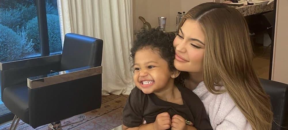 Kylie Jenner: Stormi est son plus beau cadeau de la fête des mères !