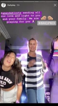 Laeticia Hallyday danse avec Jade et Joy pour la bonne cause !