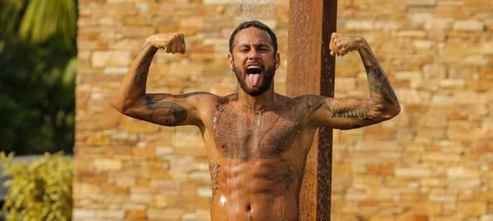 Neymar collabore avec Nike et sort deux nouvelles Air Max 2090 !