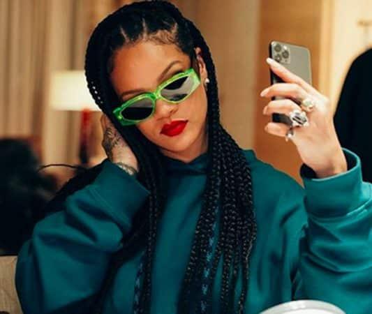 Rihanna embrase Instagram en lingerie très sexy !