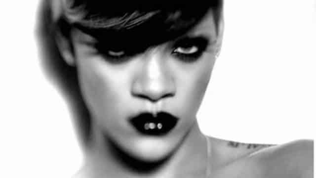 Rihanna: ses tutos make-up vont sauver ton déconfinement !