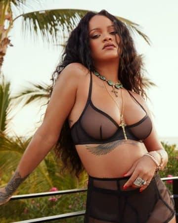 """Rihanna: ses nouveaux sous-vêtements """"confortables"""" et sexy !"""