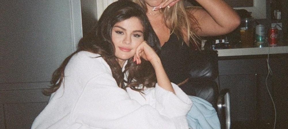 Selena Gomez s'affiche avec un masque et en jogging 1000