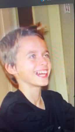 Squeezie dévoile une rare photo de lui enfant sur Instagram !