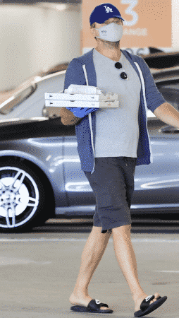 Leonardo DiCaprio et sa chérie Camila Morrone s'affichent masqués à L.A. !
