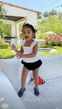 Khloé Kardashian: True improvise une danse et fait fondre la Toile !
