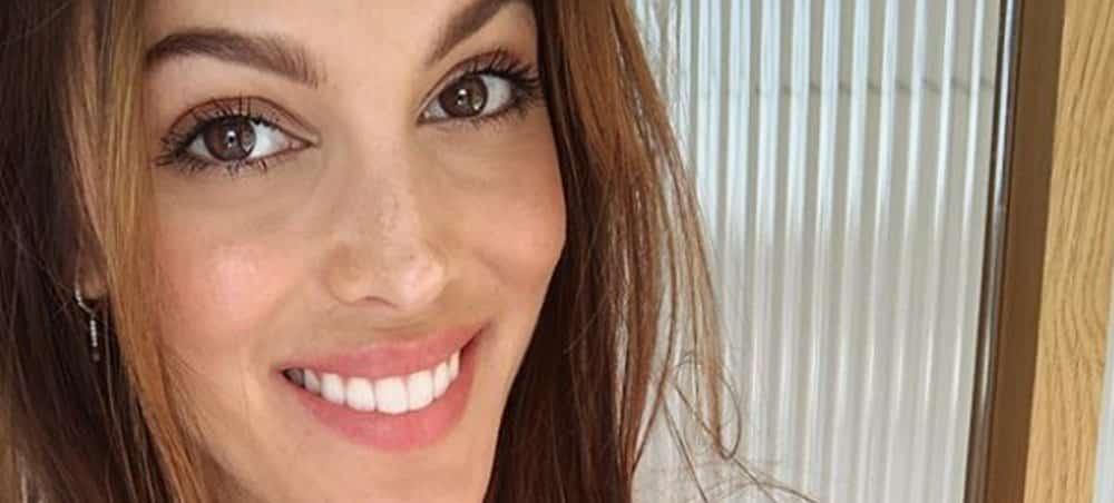 Iris Mittenaere: Emma Cakecup la trouve magnifique !