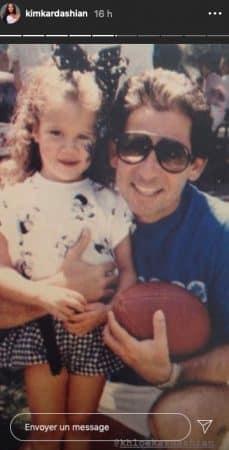 Kim Kardashian dévoile une photo de Khloé enfant avec son père !