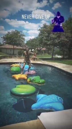 M Pokora se lance un défi complètement loufoque dans sa piscine !