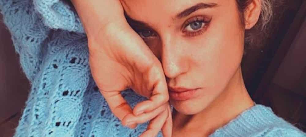 María Pedraza s'affiche en pleine séance de bronzette sur Instagram !