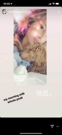 Millie Bobby Brown se réveille avec son adorable petit chien 640