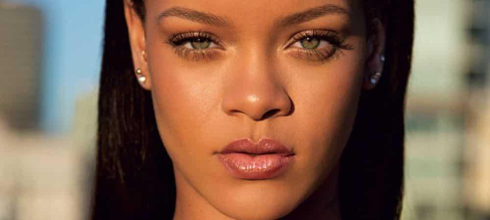 Rihanna s'affiche en pleine confection de sa nouvelle collection Fenty 1000