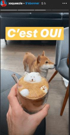 Squeezie boit un café à l'effigie de son adorable chien Natsu 04062020-