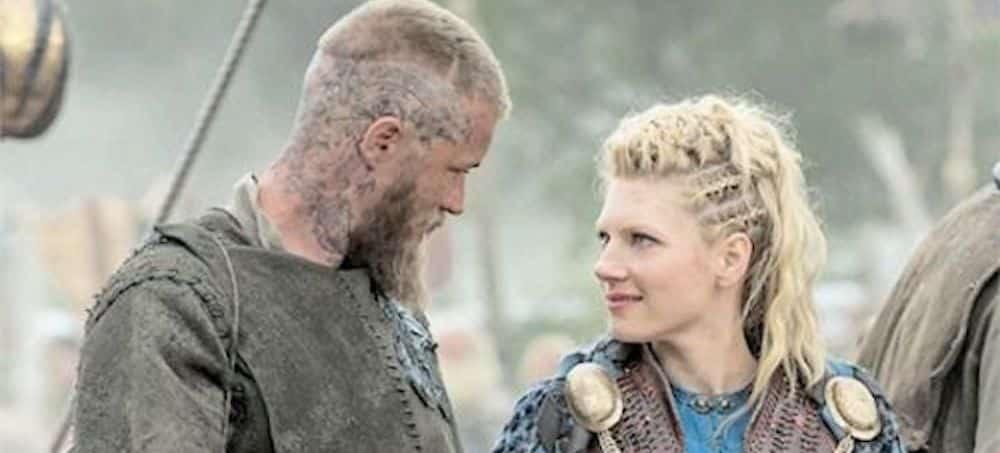 Vikings: Katheryn Winnick très proche de Travis Fimmel sur le tournage ?