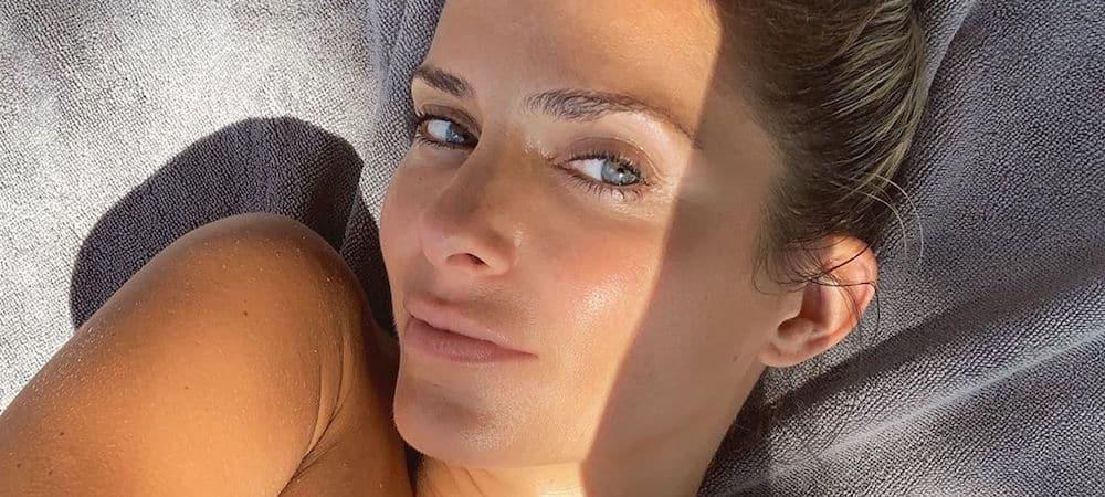 Clara Morgane enflamme la toile en bikini blanc sur Instagram !