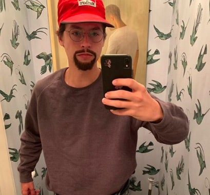 Cole Sprouse: son shooting délirant et ultra artistique dévoilé !