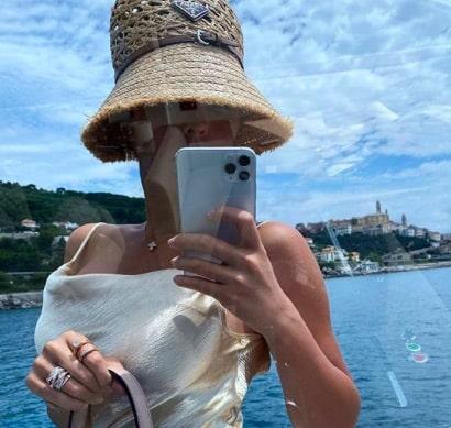 Georgina (Cristiano Ronaldo) embrase Instagram en bikini léopard !