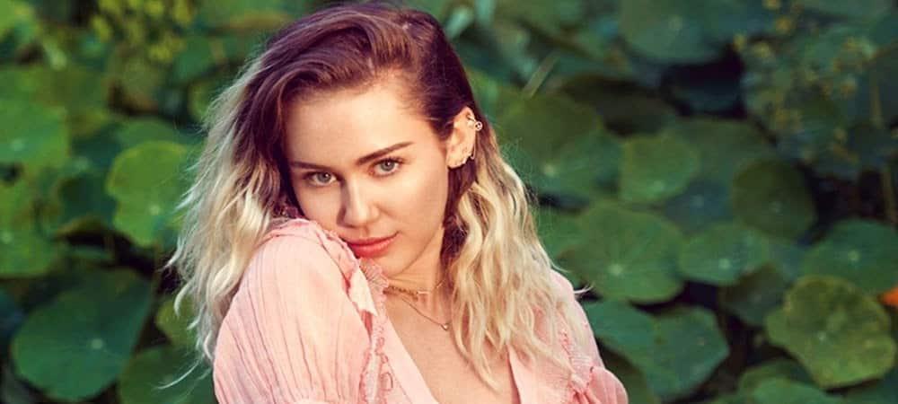 Miley Cyrus partage une ancienne photo d'elle en plein concert1000