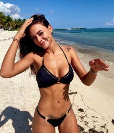 Alix (Les Marseillais) s'affiche topless et embrase Instagram 640